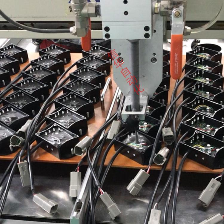 传感器灌胶机导条调节
