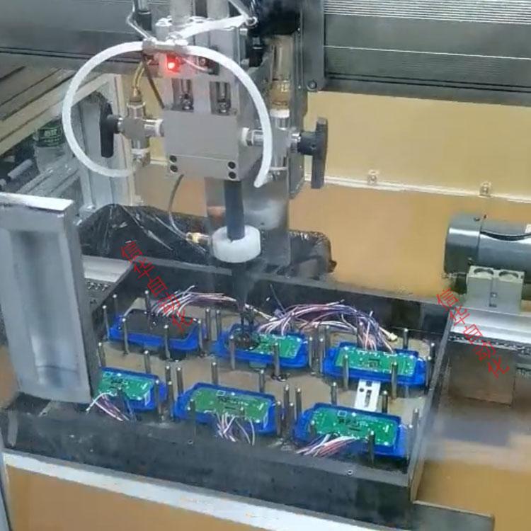 电动工具全自动灌胶机灌胶图