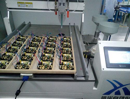 灌胶机在电路板行业的应用有哪些-深圳市信华自动化