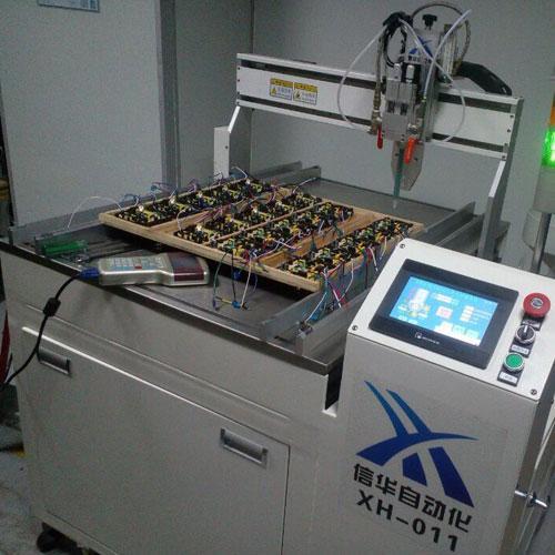 马桶控制器自动灌胶机