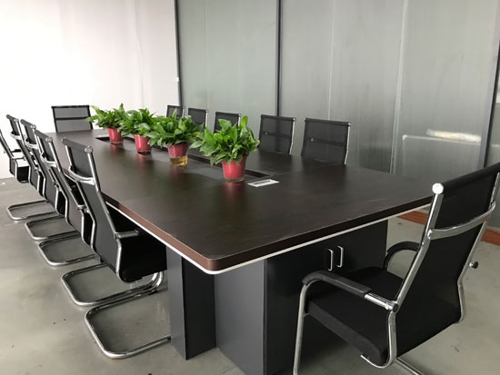 信华灌胶机会议室